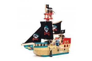 Pirate Ships & Forts