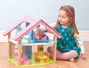 Playing with Mia Casa Dollhouse