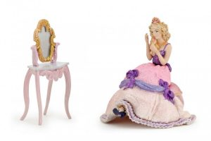 600-80504-gift-box-sitting-princess-and-dresser.jpg