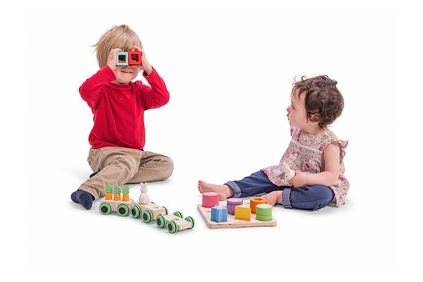 SENSORY SHAPES - BOY AND GIRL PLAYINGoy-and-girl