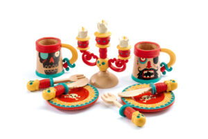 DJECO PIRATE PARTY DISHES PLAY SET