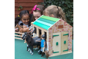 Greendale Farm Stables Playset